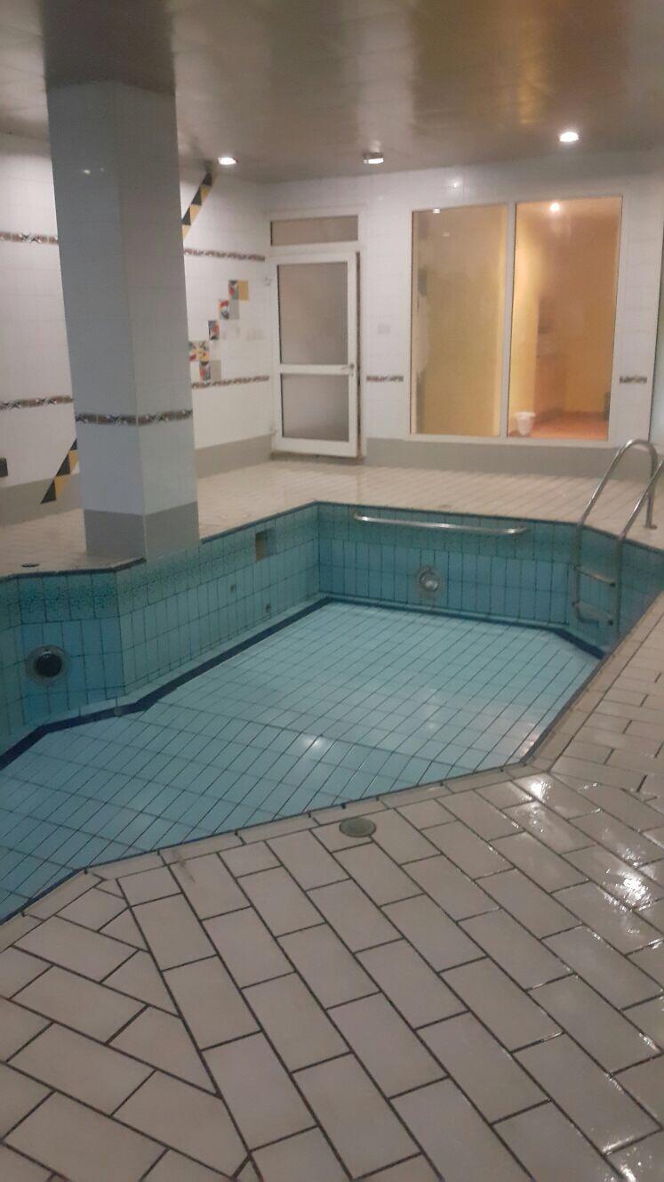شركة تنظيف حمامات السباحة بالكويت